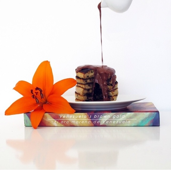 chocolate chip pancake- panqueca de chocolate- lovely gourmet